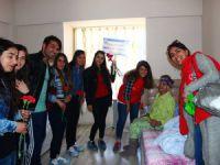 Gençlerden, Yaşlılara Ziyaret