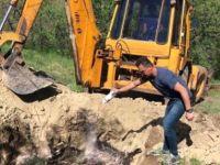 Dersim'de Telef Olan Hayvanlar Gömüldü
