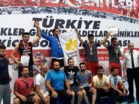 2 Sporcu Kick Boks'ta Türkiye Üçüncüsü Oldu