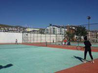 Tenis müsabakaları yapıldı