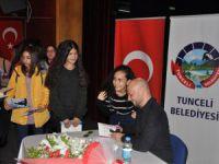 Yazar Tazeoğlu okurlarıyla buluştu