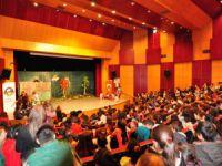 Kırmızı Başlıklı Kız müzikli çocuk oyunu sahnelendi