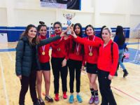 Badminton grup şampiyonasında başarı