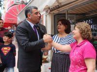 Milletvekili Erol, sokak sokak gezerek seçim çalışması yapıyor