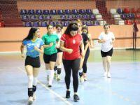 Kadın voleybol takımı destek bekliyor