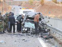 SON DAKİKA...Tunceli'de Kaza: 1 Ölü, 2 Yaralı