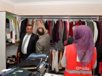 Kızılaydan yardıma muhtaç vatandaşlar için giysi mağazası