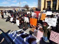 Munzur Üniversitesi'nde 'Gülistan Doku Bulunsun' eylemi