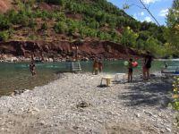Çevre illerden Dersim plajlarına akın sürüyor