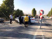 Pertek yolunda kaza: 4 yaralı