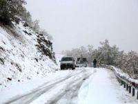 Dersim'de mevsimin ilk karı düştü, 31 köy yolu kapandı