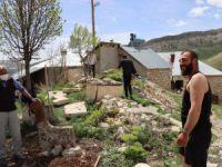 Müze ve köylülerin işbirliği tarihi mezarları kurtardı