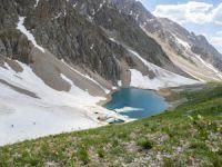Buzul gölleri eşsiz güzellikleriyle doğa tutkunlarını cezbediyor