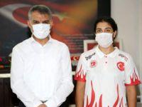 Vali Özkan kick boks Türkiye Şampiyonu sporcuyu kabul etti