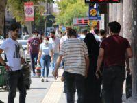 Vaka sayısının en çok arttığı Elazığ'da maskesiz vatandaş, herkesi maske takmaya davet etti