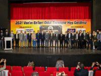 Sağlık Müdürü Prof. Dr. Sünnetçioğlu'na onur ödülü
