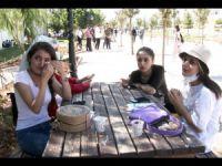 Sokakta kalan öğrenciler barınma sorununun çözülmesini istiyor VİDEO