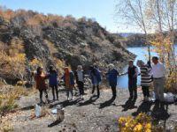 Gönüllüler Nemrut'ta doğa yürüyüşü yapıp halay çektiler