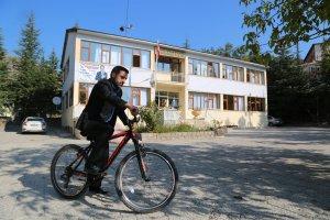 belediye-baskani-bisiklet-kullaniyoir-(2).jpg