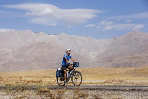 bisikletiyle-7-yildir-turkiyeyi-geziyor-(4).jpg