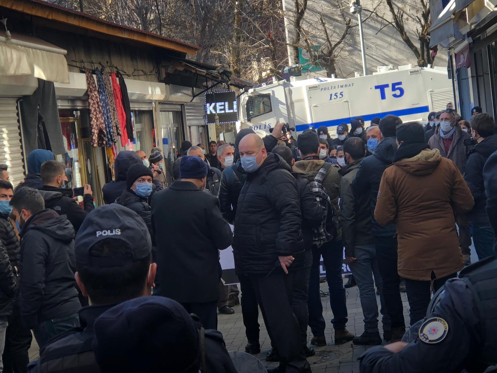 hdp'nin-aciklamasina-polis-ablukasi-(5).jpg