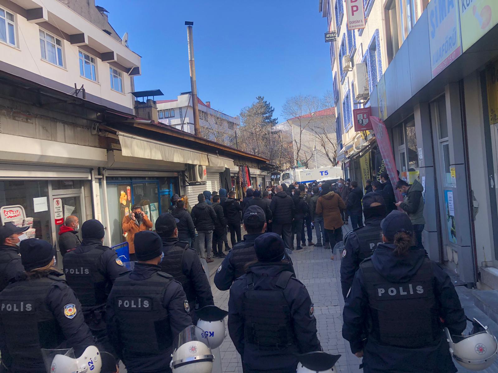 hdp'nin-aciklamasina-polis-ablukasi-(6).jpg