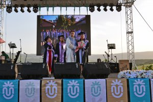 munzur-universitesinde-mezuniyet-sevinci-(3).jpg