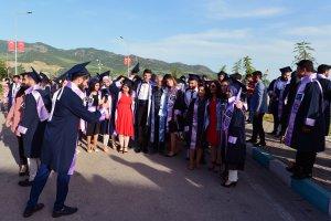 munzur-universitesinde-mezuniyet-sevinci-(4).jpg
