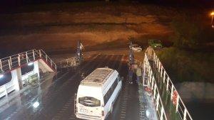 otomobil,-feribottan-baraja-uctu-(3).jpg
