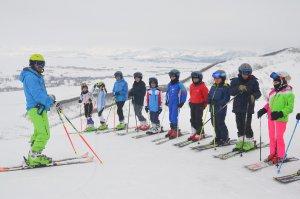 ovacik-kayak-merkezi-ile-yetenkelerini-kesfediyorlar-(5).jpg