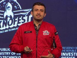Selçuk Bayraktar, Uluslararası Girişim Zirvesi'nde konuştu