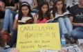 Liseli Öğrencilerden Taksim'e Kitaplı Destek